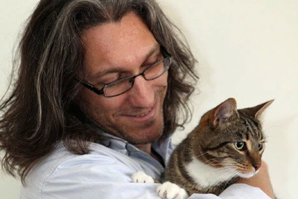 The vet and his charming cat